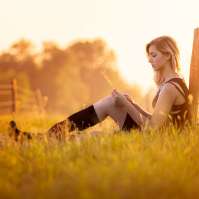 Fotoshoot meisje zonsondergang
