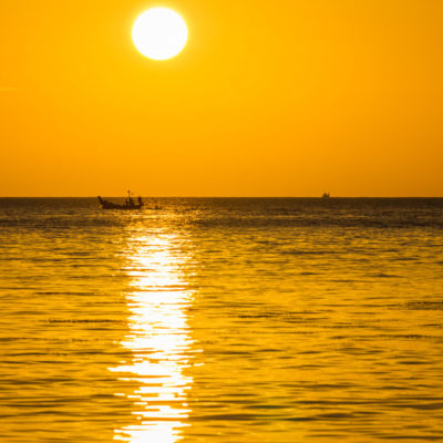 Sunset op koh samui thailand