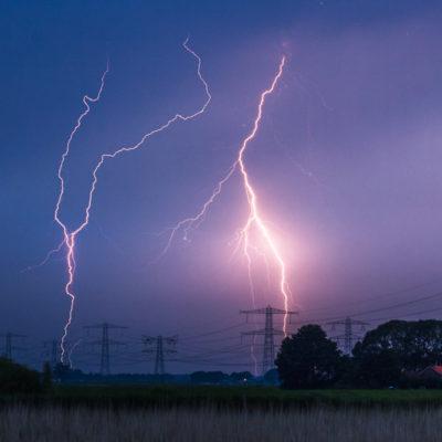 Onweer bliksem in de mastenbroeken polder