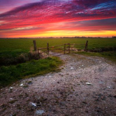 Rode zonsondergang in polder Mastenbroek