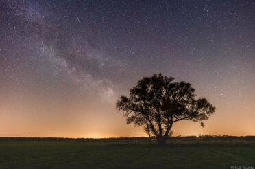 Timelapse Lyriden en Starlink satellieten