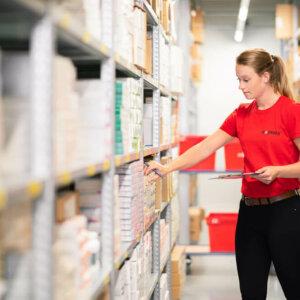 Mosadex bedrijfsfoto's in magazijn